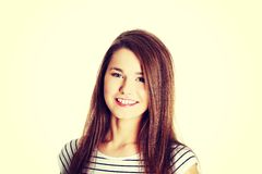 Adolescente femenino sonriente Imagen de archivo libre de regalías