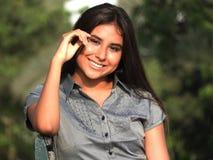 Adolescente femenino sonriente Fotografía de archivo libre de regalías