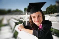 Adolescente graduado feliz Foto de archivo libre de regalías