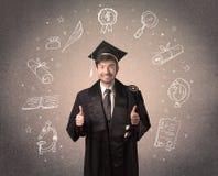 Adolescente graduado feliz con los iconos dibujados mano de la escuela Foto de archivo libre de regalías