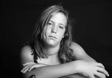 Adolescente gruñón imagenes de archivo