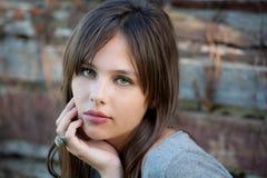 Adolescente hermoso afuera Foto de archivo libre de regalías