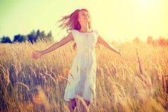 Adolescente hermoso al aire libre Fotos de archivo