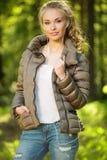 Adolescente hermoso al aire libre Foto de archivo