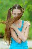 Adolescente hermoso con el pelo largo Imagen de archivo
