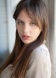 Adolescente hermoso con los ojos verdes Fotos de archivo libres de regalías