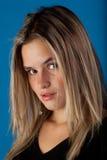 Adolescente hermoso en azul Imagenes de archivo