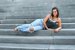 Adolescente hermoso en pasos de progresión Fotos de archivo libres de regalías