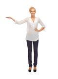 Adolescente hermoso en ropa casual Foto de archivo libre de regalías