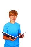 Adolescente hermoso, leyendo, aislado en blanco, tiro del estudio Fotos de archivo