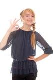 Adolescente hermoso que muestra okey de la muestra Fotografía de archivo libre de regalías