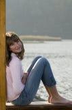 Adolescente hermoso sobre el lago Fotos de archivo libres de regalías