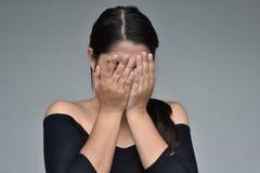 Adolescente hermoso vergonzoso de la muchacha Imagen de archivo libre de regalías