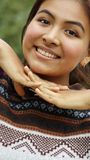 Adolescente hispánico sonriente de la muchacha Foto de archivo