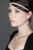 Adolescente imponente en collar de diamante Foto de archivo libre de regalías