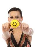 Adolescente indio con la bola de la sonrisa Fotos de archivo