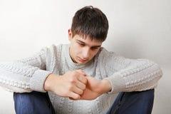 Adolescente infeliz en casa Fotografía de archivo