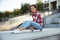 Adolescente joven alegre Foto de archivo libre de regalías