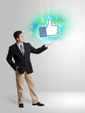 Adolescente joven con como el medios ejemplo social Imagen de archivo