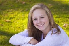 Adolescente joven feliz Foto de archivo libre de regalías