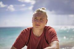 Adolescente joven hermoso el vacaciones de verano Fotos de archivo