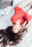 Adolescente joven que se relaja Foto de archivo libre de regalías