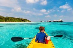 Adolescente Kayaking Fotografía de archivo