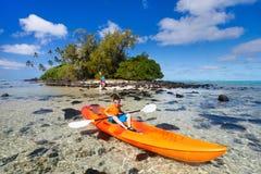 Adolescente Kayaking Imagen de archivo