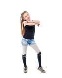 Adolescente lindo con los brazos plegables del pelo largo, sonriendo Fotografía de archivo libre de regalías