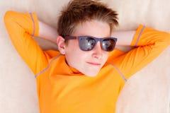 Adolescente lindo el vacaciones Fotos de archivo libres de regalías