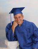 Adolescente masculino en casquillo y vestido Fotografía de archivo