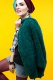 Adolescente moderno color/peinado colorido Foto de archivo
