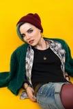 Adolescente moderno cor/penteado colorido Fotos de Stock Royalty Free
