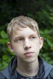 Adolescente mojado en las maderas Imágenes de archivo libres de regalías