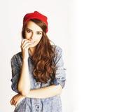Adolescente moreno alegre joven en el fondo blanco Fotografía de archivo libre de regalías