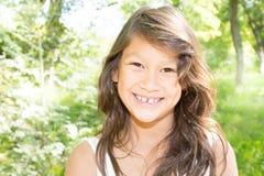 Adolescente moreno joven hermoso del niño Imagenes de archivo