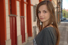 Adolescente na cidade Foto de Stock Royalty Free