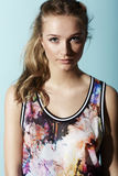 Adolescente na roupa floral Imagens de Stock