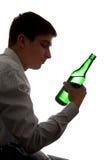Adolescente nella dipendenza di alcool Fotografia Stock
