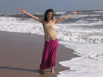 Adolescente nella spiaggia immagini stock libere da diritti