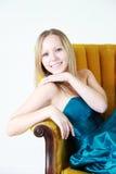 Adolescente no vestido do baile de finalistas fotografia de stock