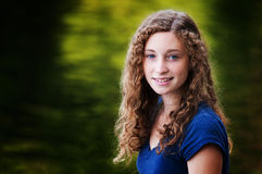 Adolescente observada azul Imagen de archivo