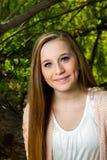Adolescente observada azul rubio Imágenes de archivo libres de regalías