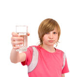 Adolescente para beber el agua Fotos de archivo libres de regalías