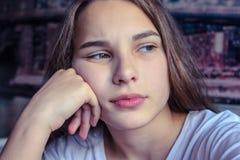 Adolescente pensativo Fotos de archivo libres de regalías