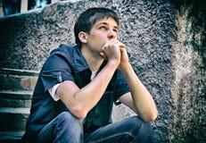 Adolescente pensativo al aire libre Fotografía de archivo