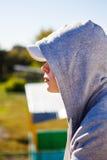 Adolescente pensativo al aire libre Fotos de archivo libres de regalías