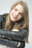 Adolescente positivo sonriente Fotografía de archivo