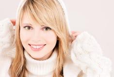 Adolescente precioso en sudadera con capucha Imagen de archivo