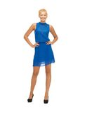 Adolescente precioso en vestido azul Fotos de archivo libres de regalías